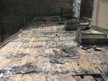 Rückbau Lichtkuppeln / Abbruch Dachhaut Gebäude 2